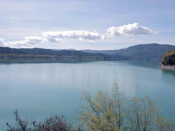 Het meer van Barasona (c) 2011 Fred J. Quint ingestuurd bij SpanjeVakantieland.nl